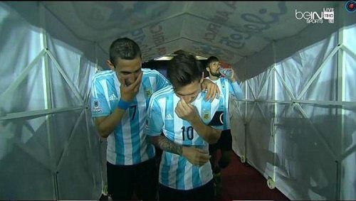 """Messi, Di Maria dính nghi án """"chế nhạo"""" HLV - 1"""