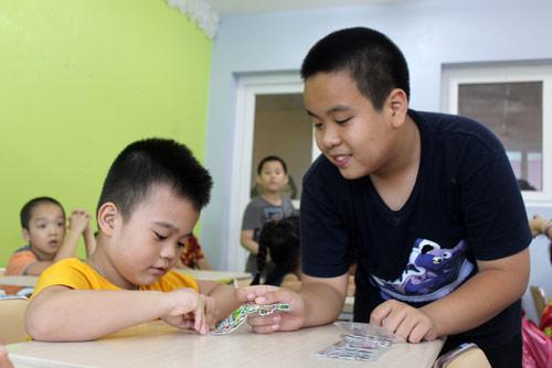 """""""Thần đồng"""" Nhật Nam trở thành thầy giáo của 1000 em nhỏ - 4"""