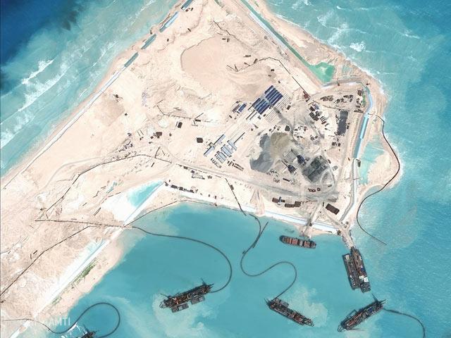 """TQ sắp xây xong đảo, Philippines """"cảnh giác"""" cao độ - 2"""