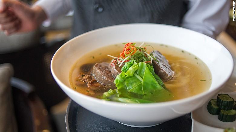 Việt Nam lọt top 10 điểm đến có ẩm thực hấp dẫn nhất thế giới - 10