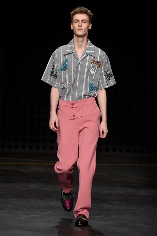 Áo yếm nữ gây sốc trên sàn diễn thời trang nam - 7