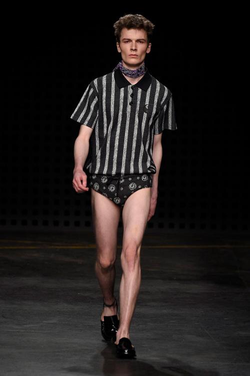 Áo yếm nữ gây sốc trên sàn diễn thời trang nam - 6