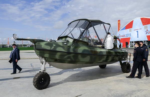 """Ngắm dàn vũ khí """"khủng"""" của Nga tại Triển lãm Army-2015 - 5"""