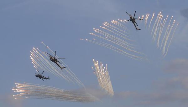 """Ngắm dàn vũ khí """"khủng"""" của Nga tại Triển lãm Army-2015 - 13"""