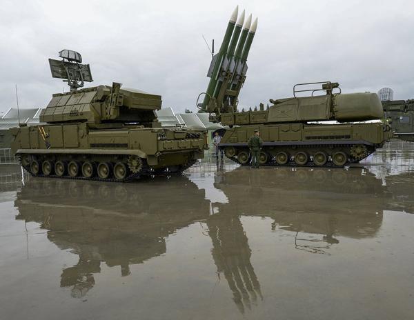 """Ngắm dàn vũ khí """"khủng"""" của Nga tại Triển lãm Army-2015 - 10"""