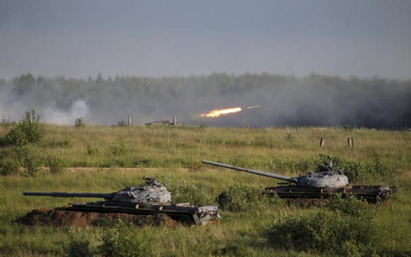 """Ngắm dàn vũ khí """"khủng"""" của Nga tại Triển lãm Army-2015 - 14"""