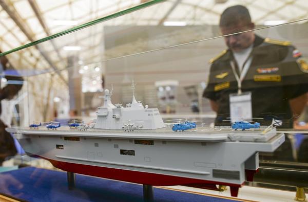 """Ngắm dàn vũ khí """"khủng"""" của Nga tại Triển lãm Army-2015 - 12"""