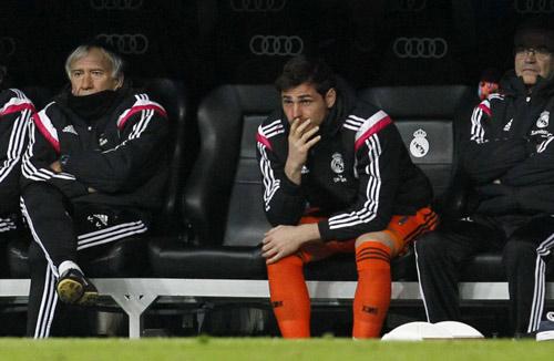 """Bị De Gea đánh bật, Casillas có 5 """"bến đỗ"""" để chọn - 1"""