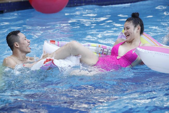 Phái đẹp Hà thành tưng bừng dự tiệc dưới nước - 17