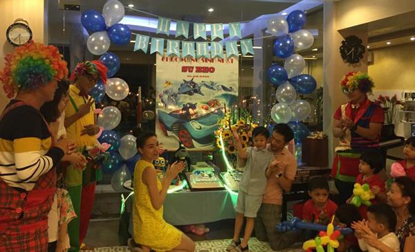 Hà Hồ, Quốc Cường vui vẻ trong sinh nhật con trai - 1