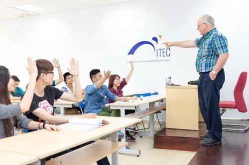 Cơ hội nhận bằng Cử nhân quốc tế tại Việt Nam - 1