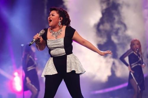 Những màn diễn ấn tượng của thí sinh Vietnam Idol tối 21.6 - 1