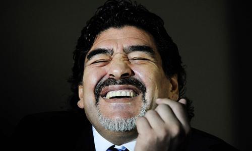 """""""Nóng mắt"""" với Blatter, Maradona tranh cử chủ tịch FIFA - 1"""
