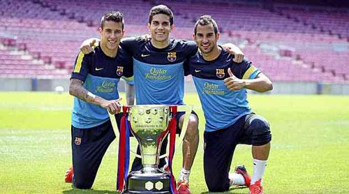 """Barca và cái giá của """"cú ăn ba"""": La Masia chảy máu - 2"""