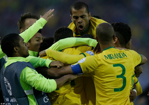 Brazil vắng Neymar: Cái khó ló cái hay - 1