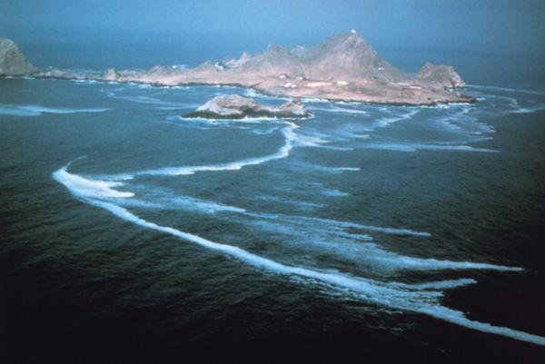 """Rùng mình trước 10 hòn đảo """"tử thần"""" trên thế giới - 10"""