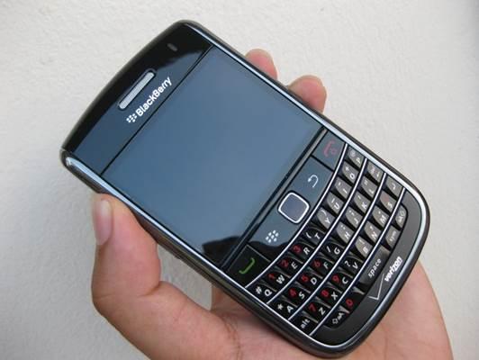 Blackberry 9650 nhập Mỹ giá 1,3 triệu hút khách cả nước - 2
