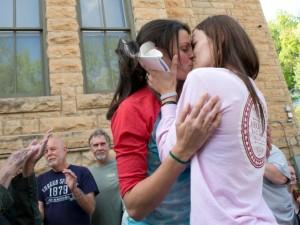 Mỹ tuyên bố hợp pháp hóa hôn nhân đồng giới