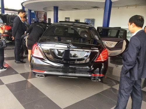 Đại gia Tuyên Quang mua siêu xe Maybach S600 khủng - 1
