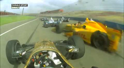 Va chạm hãi hùng, xe đua vỡ nát ở tốc độ 340km/h - 1