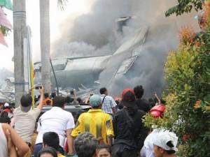 Indonesia: Máy bay quân sự C-130 nổ tung, 38 người chết