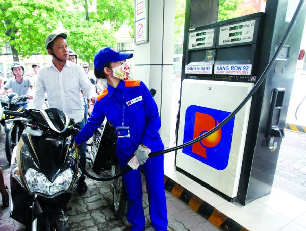 Áp thuế nhập khẩu xăng dầu sai: Xử lý cán bộ thế nào? - 1
