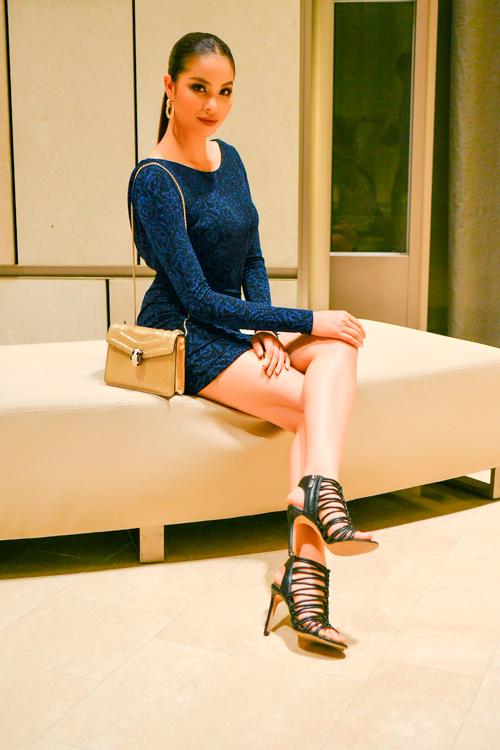 """Phạm Hương """"đụng"""" túi hiệu 100 triệu với Miranda Kerr - 1"""