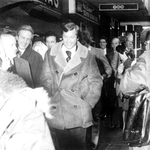 HLV bị sa thải và thành huyền thoại: Có Sir Alex, Ancelotti - 2