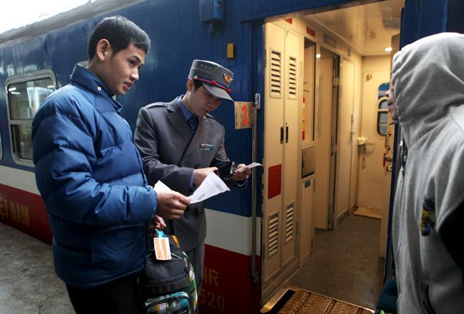 Đường sắt Hà Nội giảm 50% giá vé tàu dịp lễ 30/4-1/5 - 1