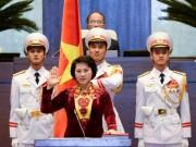 Tin tức trong ngày - Các đại biểu Quốc hội nên đứng trong lễ tuyên thệ?