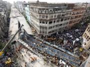 Video An ninh - Sập cầu ở Ấn Độ, 15 người chết, 150 người mắc kẹt