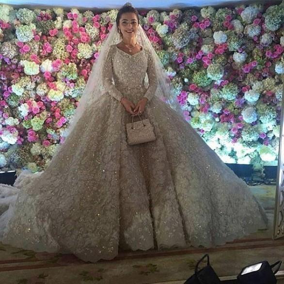 Tỷ phú chi 1 tỷ USD tổ chức đám cưới con giàu cỡ nào? - 2