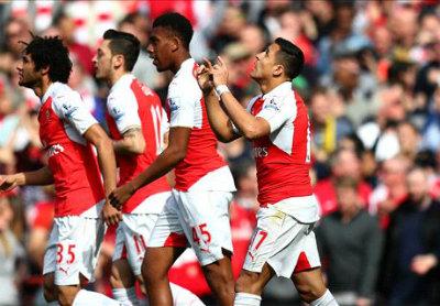 """Chi tiết Arsenal – Watford: Walcott """"đóng đinh tỉ số"""" (KT) - 3"""