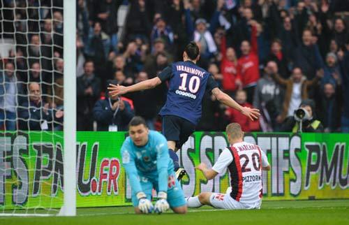 """PSG - Nice: Ibra tự """"tạc tượng"""" ở Paris - 1"""