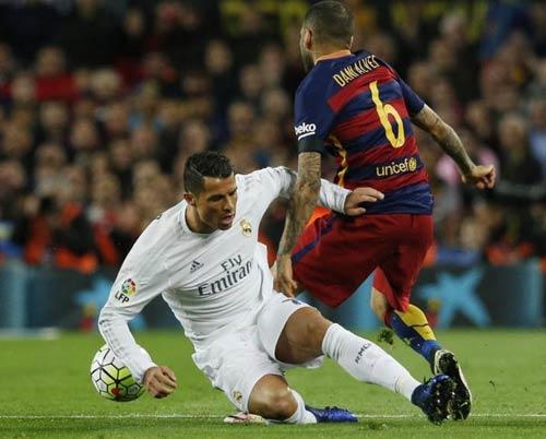 """Điểm nhấn El Clasico: Ronaldo lộ """"ảnh nóng"""" - 5"""
