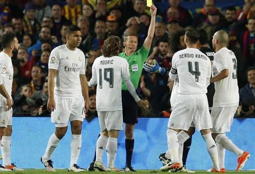 """Điểm nhấn El Clasico: Ronaldo lộ """"ảnh nóng"""" - 6"""
