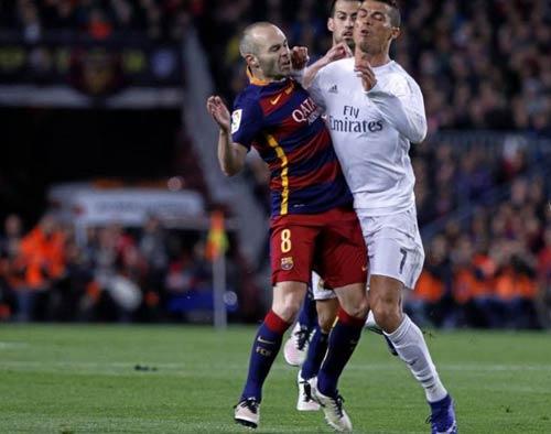 """Điểm nhấn El Clasico: Ronaldo lộ """"ảnh nóng"""" - 7"""
