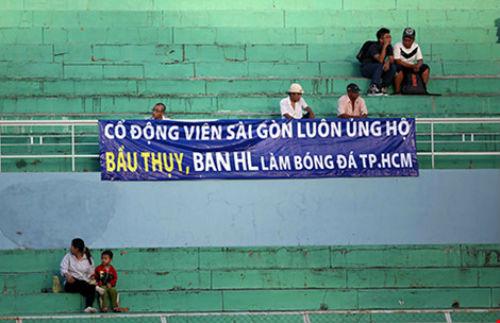 Con đẻ, con nuôi ở ngôi nhà bóng đá Sài Gòn - 1