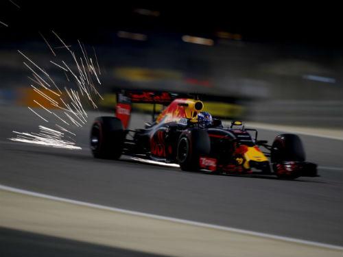 Phân hạng Bahrain GP – Pole cho Hamilton - 2