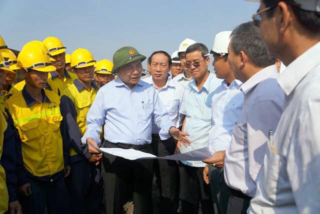 Sau vụ sập cầu Ghềnh, Phó Thủ tướng yêu cầu xử lý những cây cầu yếu - 1