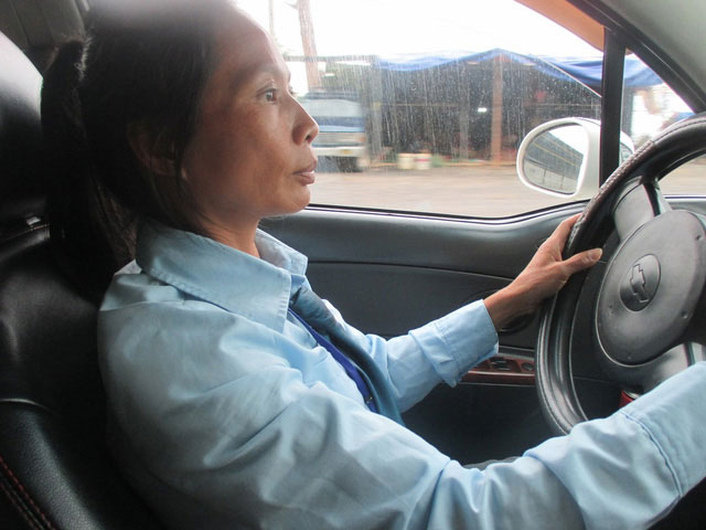 """Người phụ nữ 15 năm lái taxi và những """"ám ảnh"""" khó quên - 1"""