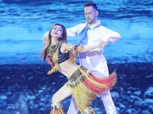 Jennifer Phạm quyến rũ bạn nhảy Tây bằng váy gợi cảm