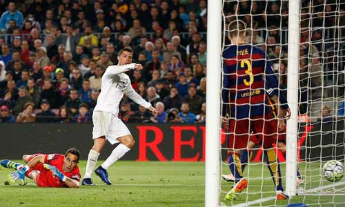 """Barca thua đau Siêu kinh điển: Mặt đất """"êm ái"""" - 1"""