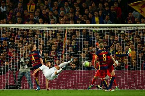 """Barca thua đau Siêu kinh điển: Mặt đất """"êm ái"""" - 2"""