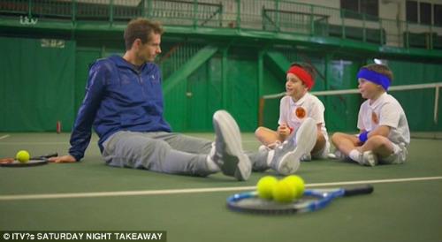 Tennis 24/7: Federer là fan cuồng của môn đấu vật Mỹ - 5
