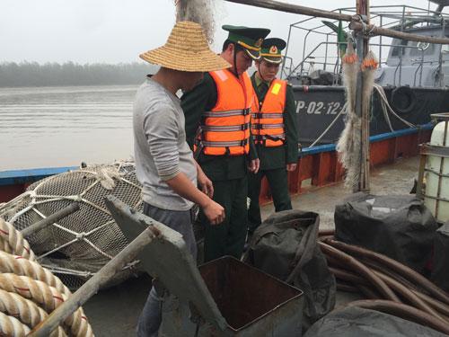 Xua đuổi hơn 100 tàu cá TQ vi phạm chủ quyền Việt Nam - 1