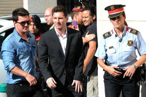 Hậu Clasico, Messi bị tố dính đường dây trốn thuế VIP - 1
