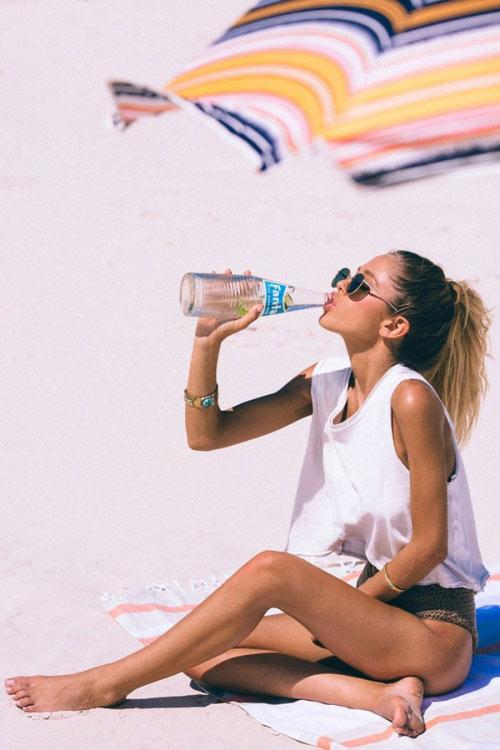 Nguy hiểm khôn lường khi uống nước lúc đói - 1