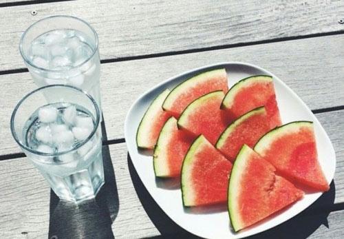 Nguy hiểm khôn lường khi uống nước lúc đói - 3