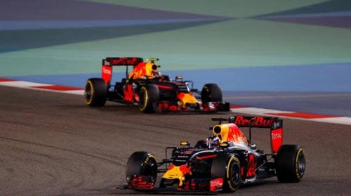 """F1, Bahrain GP: """"Cái lần đầu"""" ác mộng của Vettel - 2"""